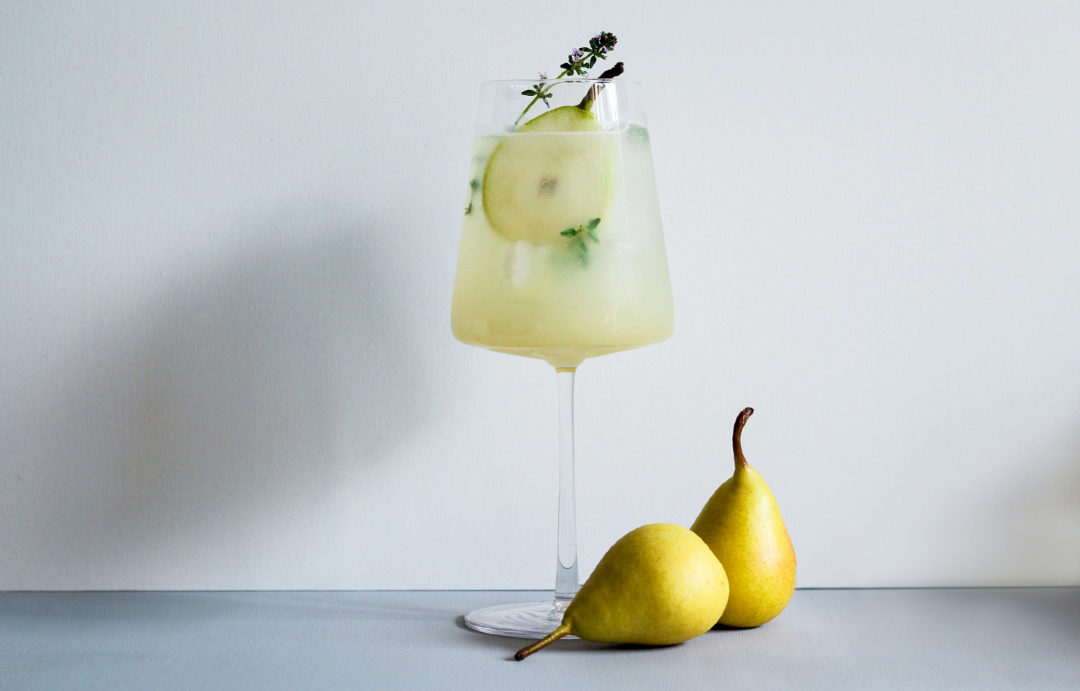 Honey Pear Fizz (Birnen Cocktail mit Gin, Honig & Ingwer)