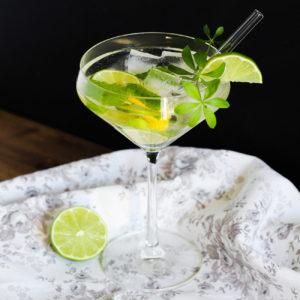 Maibowle Cocktail mit Waldmeister