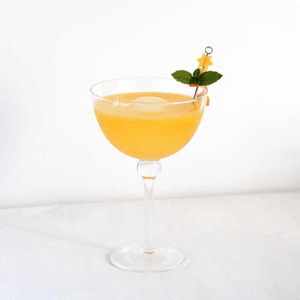 Mango Peach Gin Tonic
